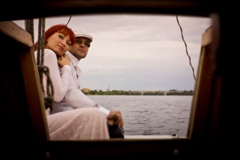 Фотоссесия на яхте - вид из каюты