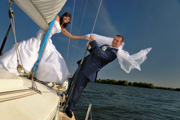 Свадебная фотоссесия на парусной яхте